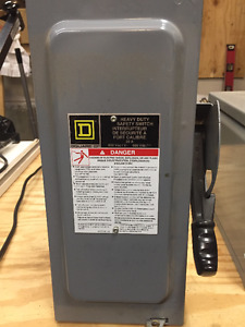 Square D 30 Amp 600VAC Single Throw Safety Switch 3P