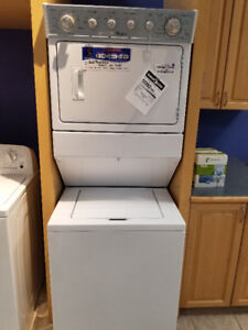 """27"""" Whirlpool® Combination Washer/Electric Dryer"""