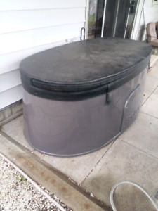 Spa Berry 2 person Hot Tub $2500.00 or Trade? ?