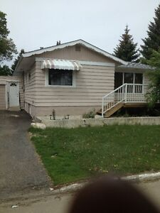 Spacious 2 bedroom basement suite steps from Siast