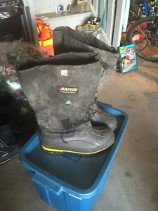 Baffin Insulated Steel Toed Winter Boots. Sz 12 CSA