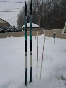 Ski de fond, bâtons  et bottes - négociable