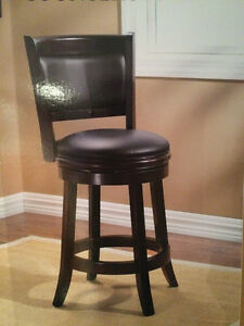 Buy or sell chairs recliners in edmonton furniture for Home bar furniture kijiji