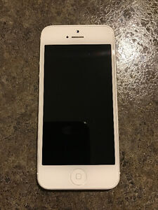iPhone 5 32GB Mint condition with extras