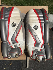 Junior goalie pads 26""