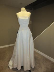 WW7 - Beautiful, simple dress! size 0/2