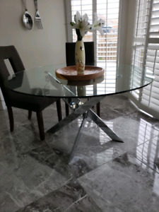 ROUND GLASS STAINLESS STEEL TABLE WITH CHAIRS 350