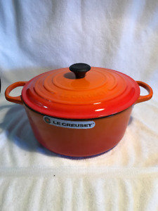 2 Le Creuset french Round 8.1 L/Flame