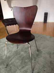 Brentwood Round side chairs