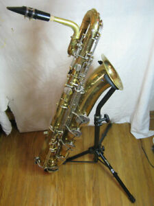 Baritone Sax New King with Pro Tech hard case,Mouthpieces