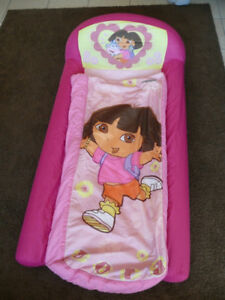 Dora inflatable bed