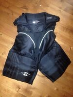 Junior hockey pants (sz: XS)