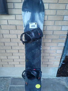 Brand new YES Basic snowboard with NOW iPO bindings