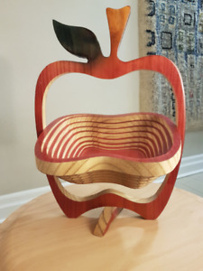 EQUINOCCIO Apple Collapsible Wood Spiral Fruit Bowl / Trivet