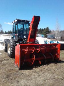 Tracteur Versatil 1990  276 vendu avec loader hrs 6834