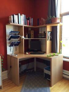 IKEA Micke corner desk / bureau de coin
