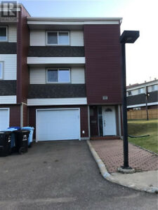 Convenient Townhouse Unit to live in- close to everything