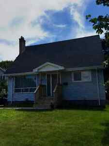 Charming Newly Renovated Dartmouth Home, Close to Everything