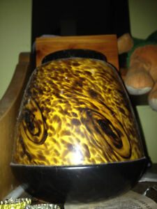 Colour changing scentsy warmer