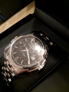 (Skeleton) Timeless HAMILTON Jazzmaster Viewmatic Watch (R$945)