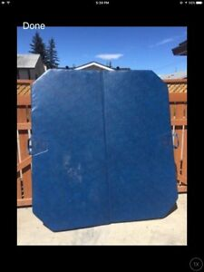 Hot tub cover in good condition & pump