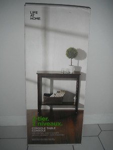 console table *** BRAND NEW ***