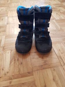 Men/Youth Ecco winter boots US 6 to 6.5 or EUR 40