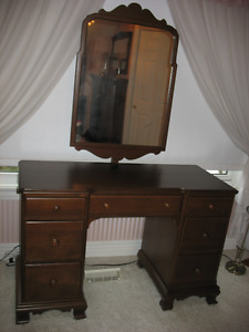 GIBBARD DOUBLE PEDESTAL SOLID WALNUT VANITY/DESK