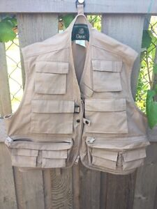 Size medium fishing vest in new condition,