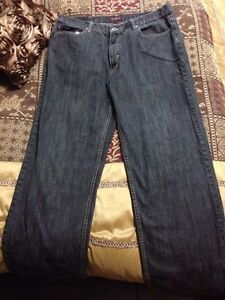 "Mens Jeans Size 38"" and 40"" Cambridge Kitchener Area image 3"