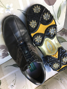 Souliers golf  Golf shoes