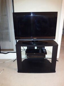 TV set for sale see pictures of items attached