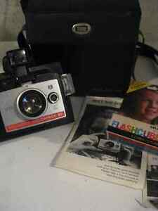 Vintage Polaroid Colorpack 80 with case, manuals and flash bulbs