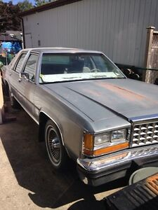 1984 Ford Crown Victoria LTD