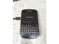 Blackberry Bold 9900 on 02