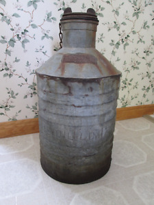 old Imperial Oil Co can