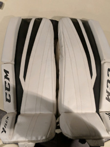 Youth CCM Goalie pads 24