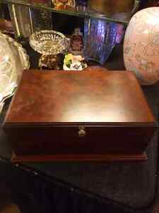 Vintage Bombay Co. Jewellery Box  West Island Greater Montréal image 2