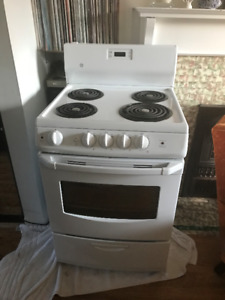 White GE Electric Stove for Sale $300