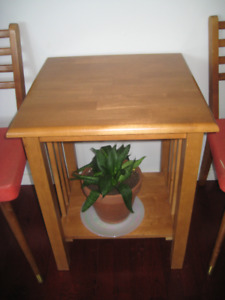 PINE SIDE TABLE CUTE STURDY