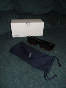 Samsung 3D Rechargeable Glasses (New in Box)