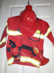 Firefighter Halloween Costume Age 3-7, 30 CAD OBO