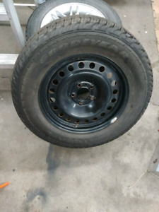 (1) Goodyear Fortera HL tire 245/65/17 with rim $50