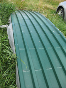 24 Gauge Steel Rounded Roofing (Contour Clad) in Forest Green