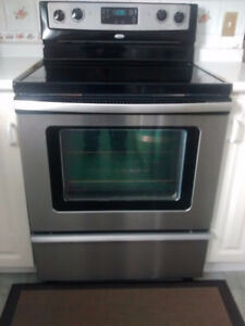Whirlpool Stainless Steel Smooth top stove with convention oven