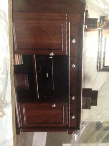 Sander desk/ entertainment unit