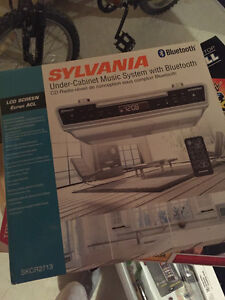 selling sylvania 10 digital photo frame