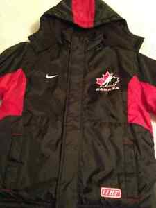 NIKE Winter Coat Size 10/12 (MEDIUM) Boys