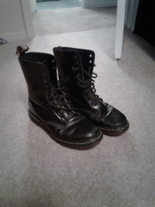 Mens Doc Martens - Great condition