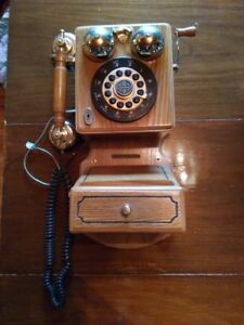 MODERN ANTIQUE STYLE WOODEN  WALL PHONE THOMAS MUSEUM SERIES